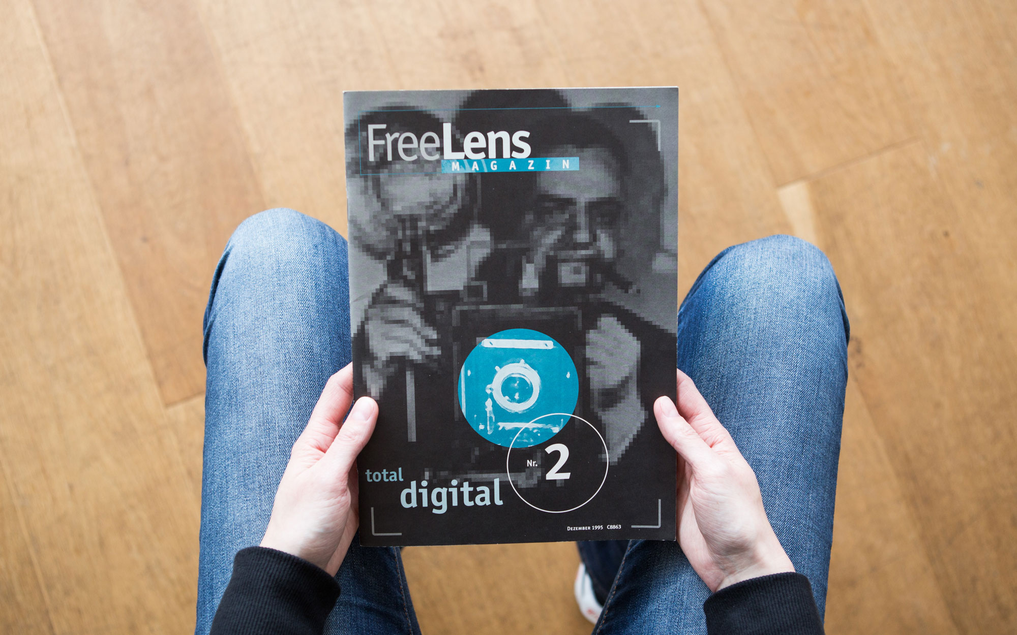 »Total digital« kommt die zweite Ausgabe des FREELENS Magazins daher. Foto: Lucas Wahl
