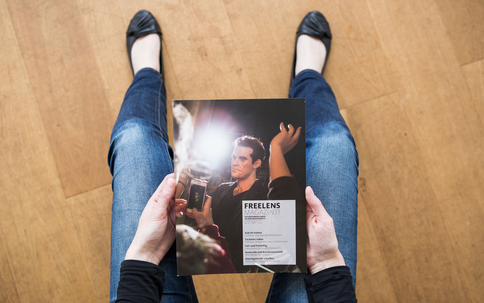 Für diese Ausgabe machte sich Thies Rätzke auf die Suche nach den Auswirkungen von Kosteneinsparungen und Urheberrechtseinschränkungen. Foto: Lucas Wahl