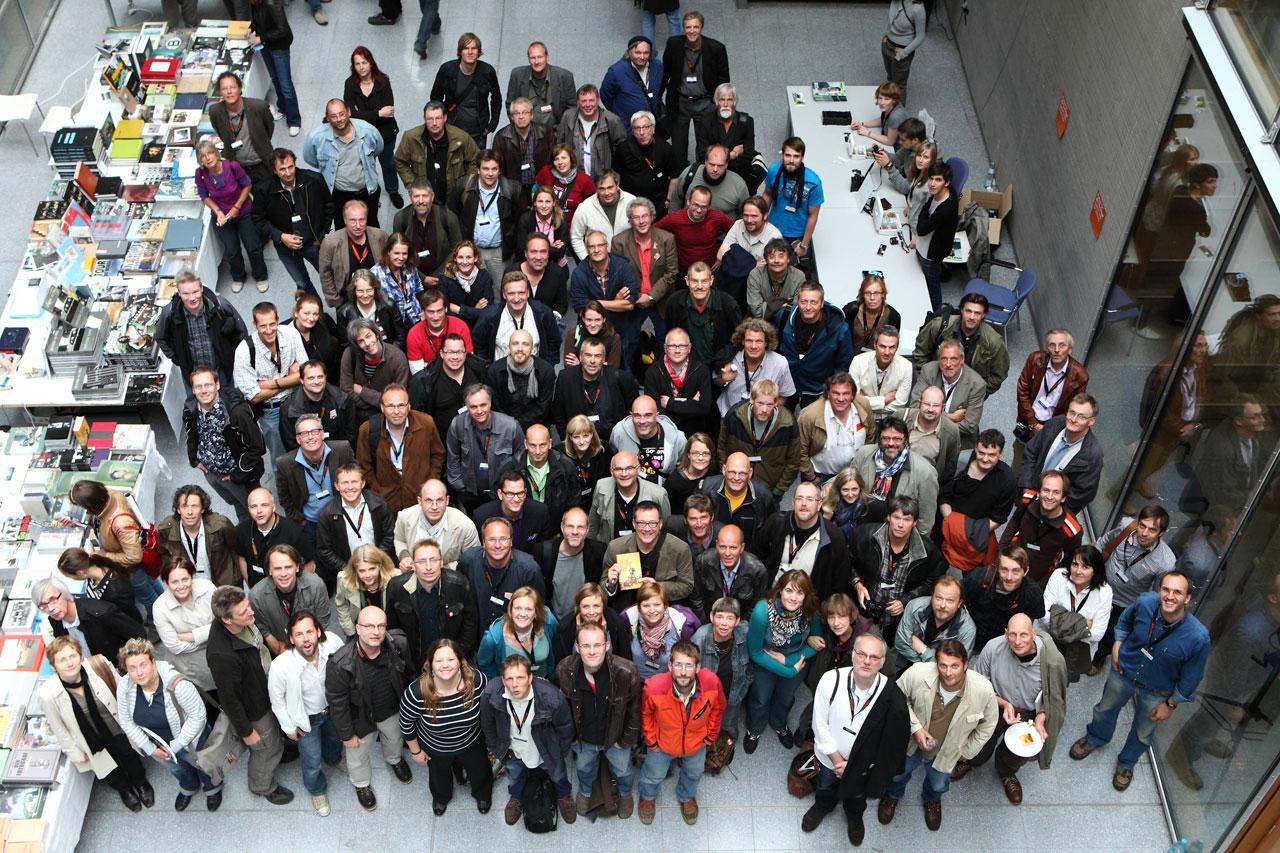 Gruppenbild beim FREELENS Jahrestreffen 2010 während des Lumix Festivals in Hannover.