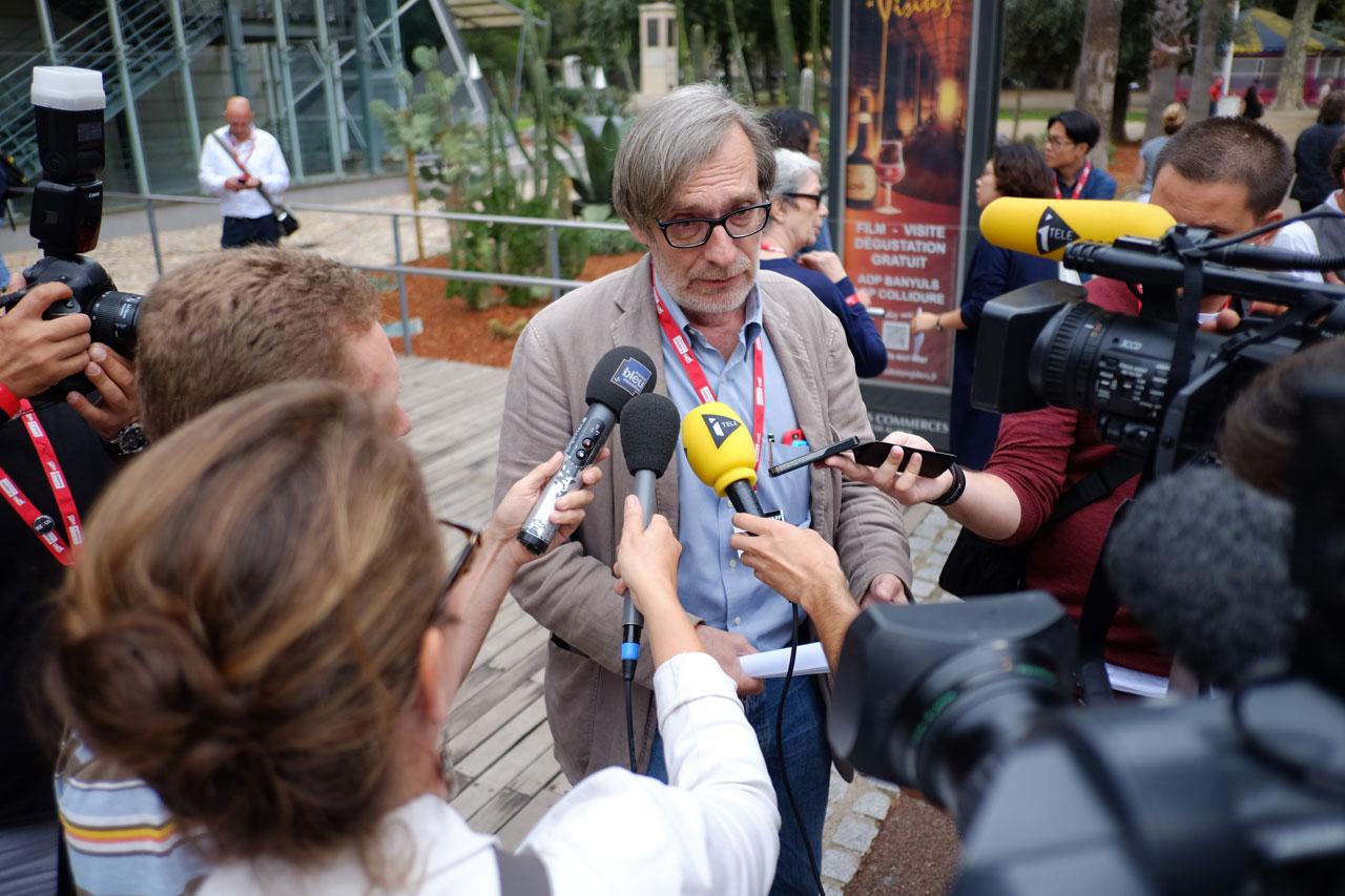 Der König des Festivals – Jean François Leroy bei einem seiner zahlreichen Interviews.