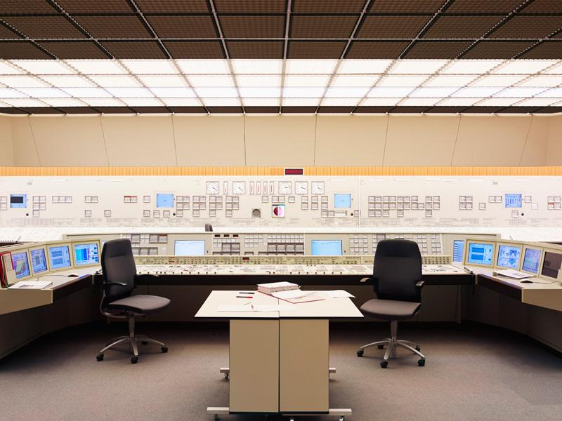 Kontrollraum/Warte Typ D3, Kernkraftwerk Grafenrheinfeld, 2011. Aus dem Buch »Atomkraft«.
