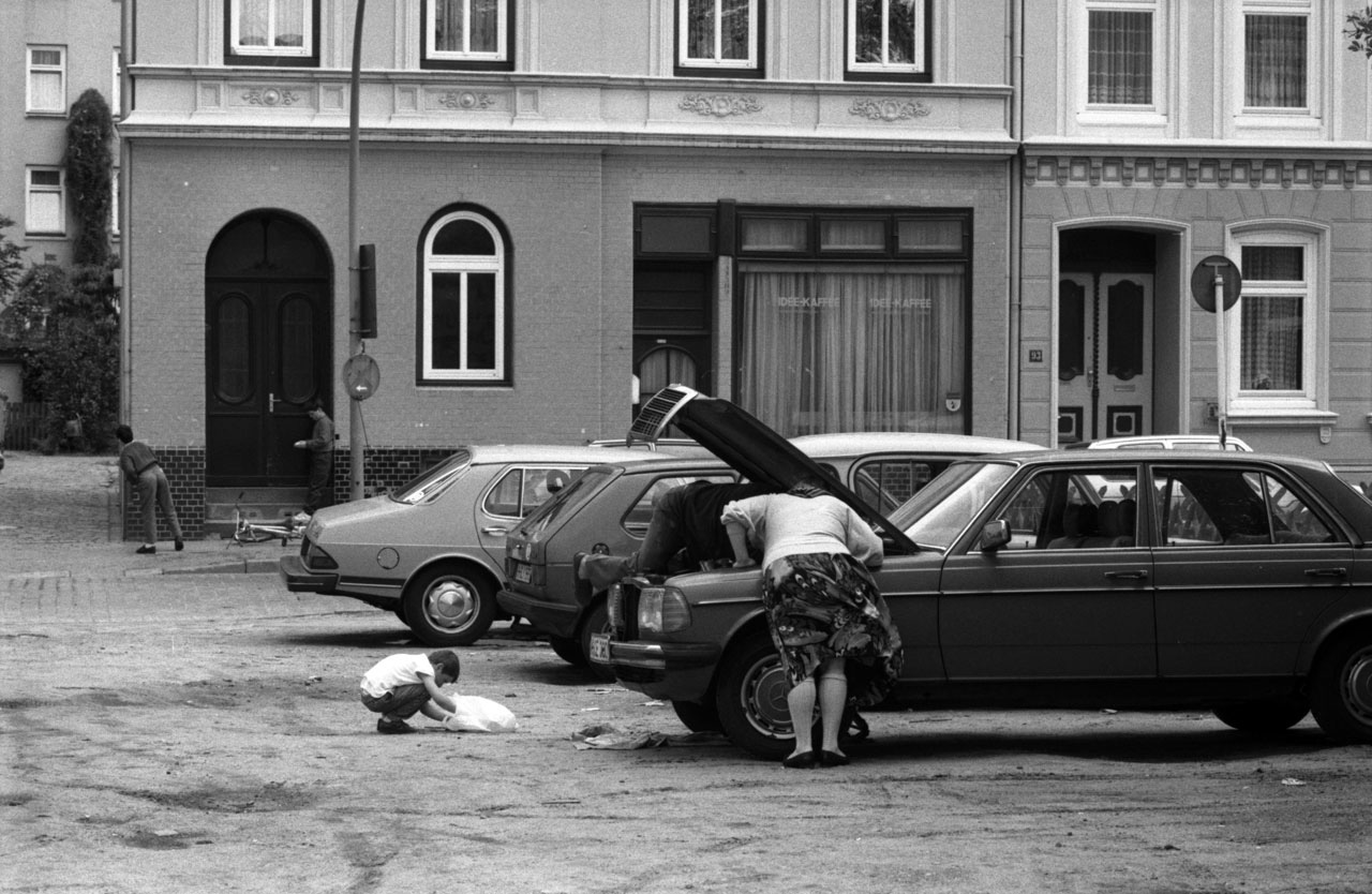 Aus der Serie »Neugierig«, 1990. Foto: Hinrich Schultze