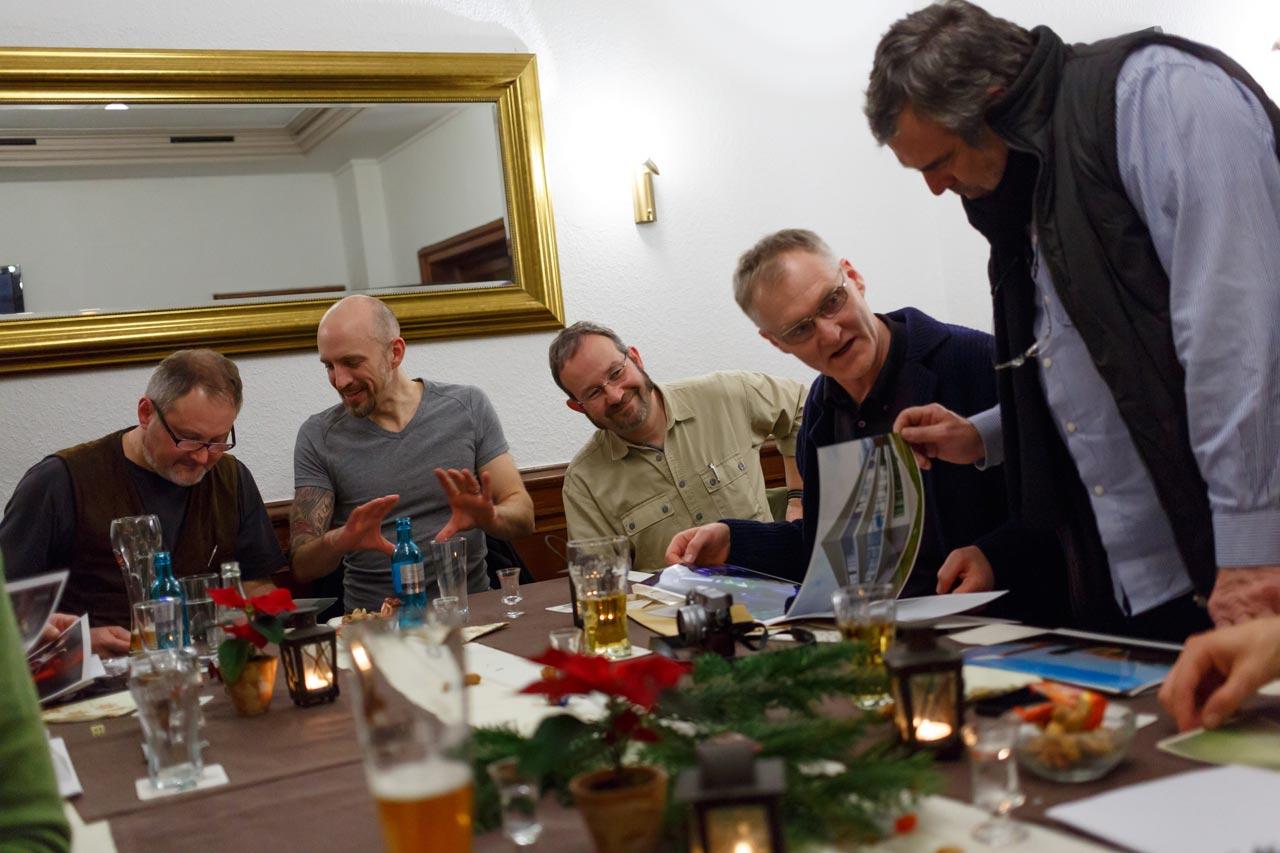 Wie die meisten FREELENS Regionalgruppen trafen sich auch die Fotografen im Ruhrgebiet zu ihrer Weihnachtsfeier… Foto: Rüdiger Wölk