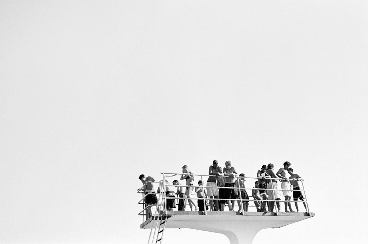 Jugendliche auf dem Zehnmeterturm, Stadionbad Bremen, 2002. Foto: Julia Baier