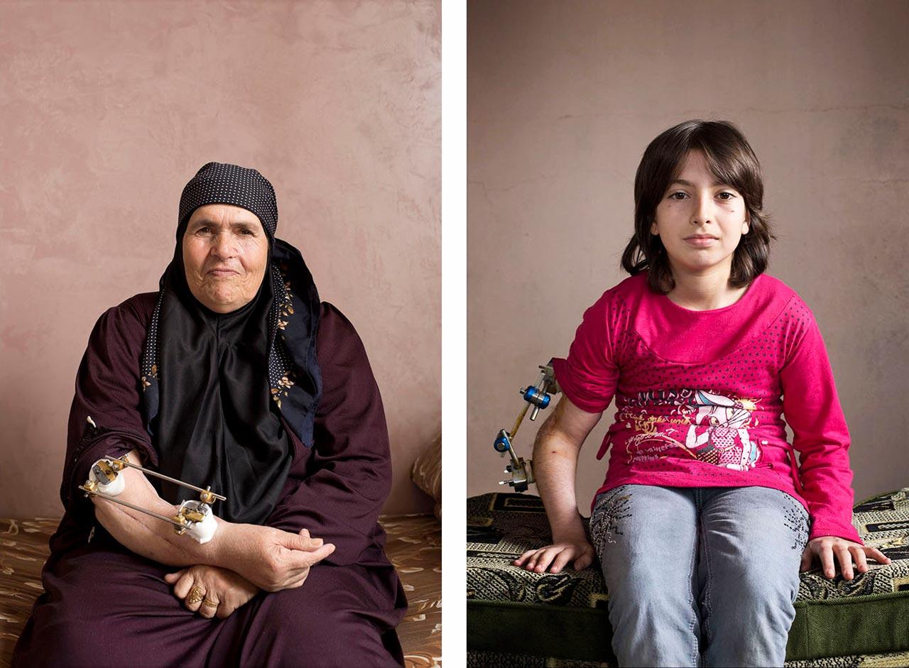 Raya Mohamad, 63 (links) und Iman, 11 (rechts) aus der Serie »40 out of 1 million«. Foto: Kai Wiedenhöfer