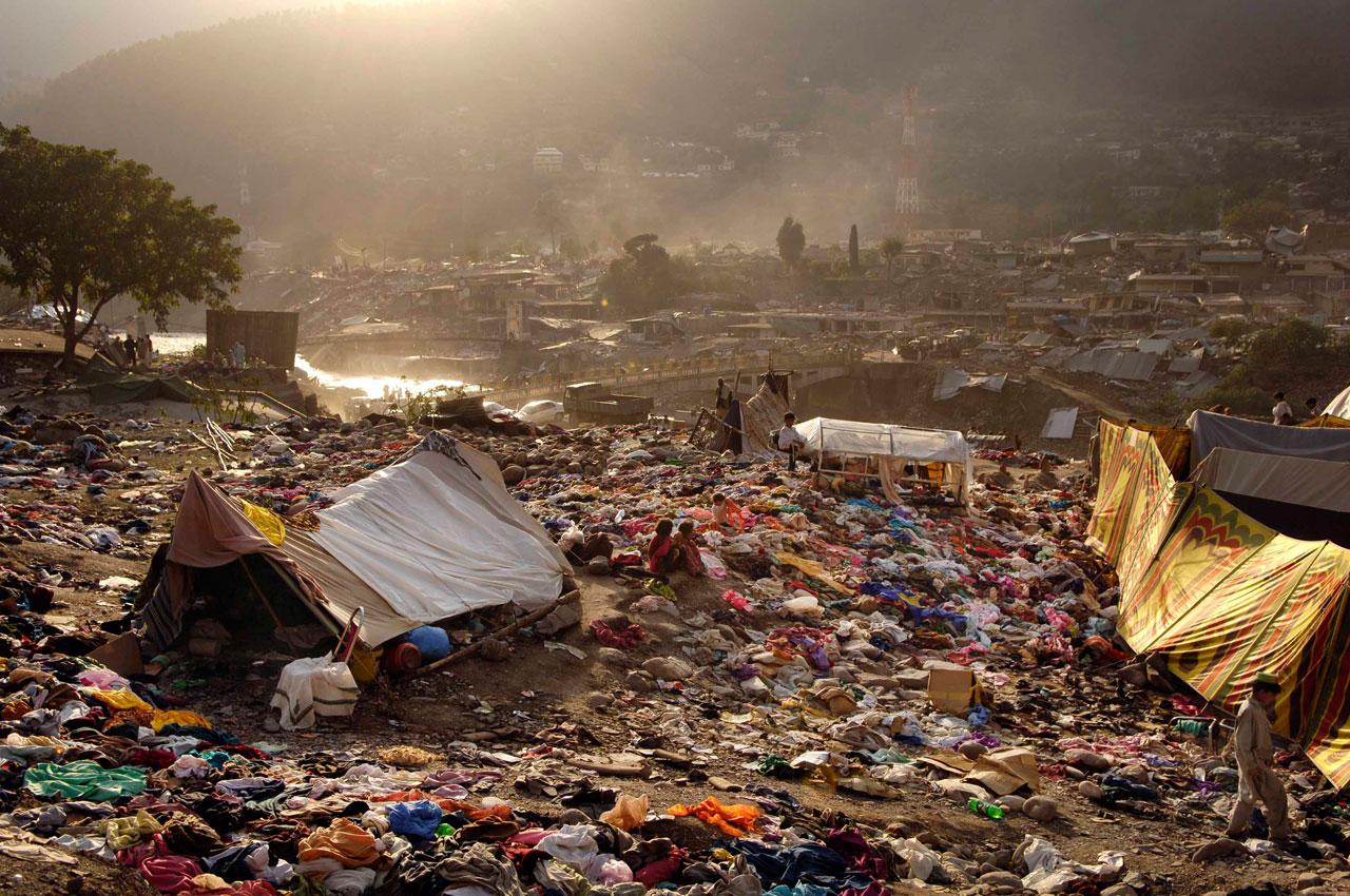 Die durch ein Erdbeben zerstörte Stadt Balakot, Pakistan. Foto: Jens Grossmann
