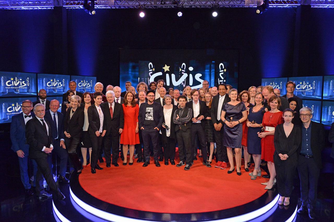 Die Preisträger*innen des CIVIS Medienpreises für Integration 2017. Foto: Civis/Oliver Ziebe