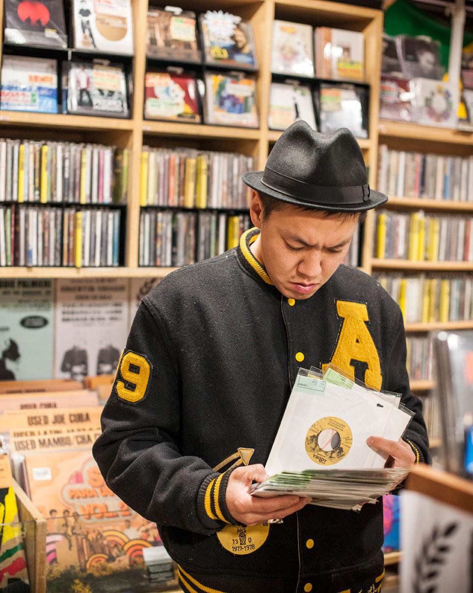 Shinjuku Disk Union, Tokio. Foto: Bernd Jonkmanns/laif