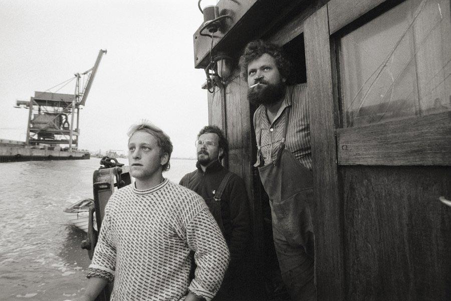 Heinz Oestmann (rechts im Bild) mit Mitstreitern auf seinem Kutter »Nordstern«. Foto: Hinrich Schultze