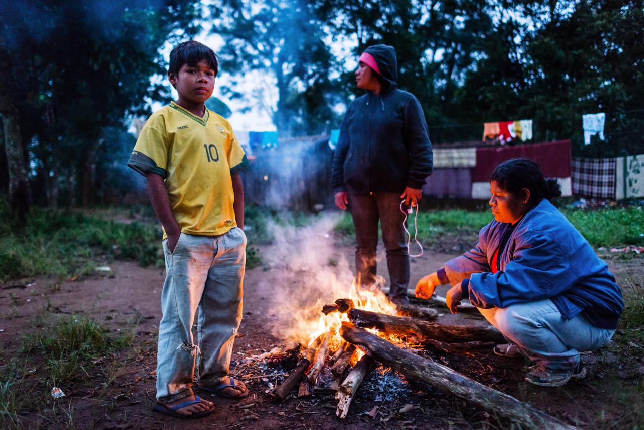 Während der WM 2014 in Brasilien in dem indigenen Dorf Krukutu im Süden São Paulos. Foto: Christian Frey