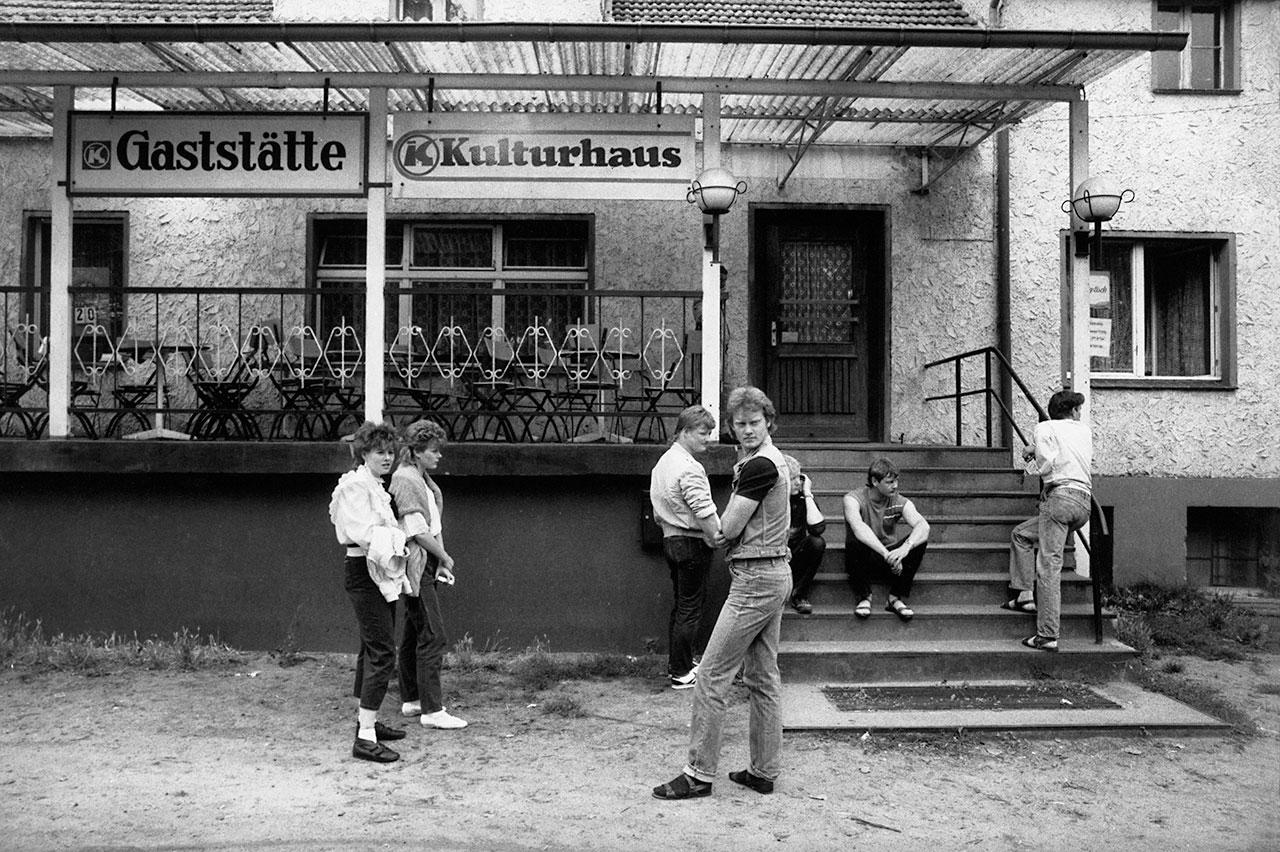 Aus der Ausstellung »Voll der Osten. Leben in der DDR«. Foto: Harald Hauswald/OSTKREUZ